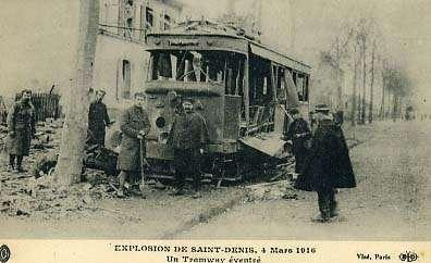 Fort de la Double-Couronne, explosion et dégâts civils dus à la présence d'une grande quantité de munitions, en 1916. © DP