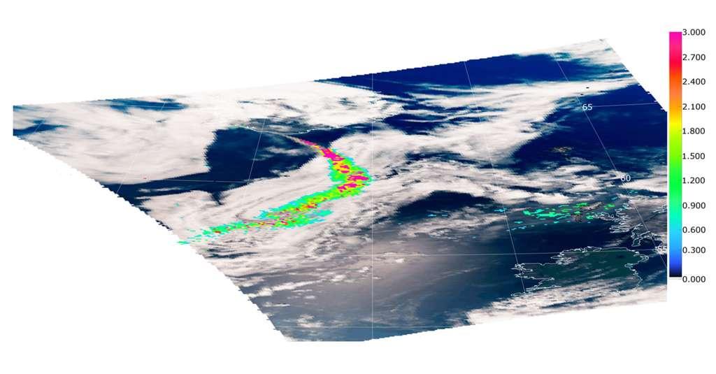 Illustration de la capacité de Parasol à détecter et quantifier la présence d'une couche d'aérosols au-dessus de zones nuageuses. Cas du panache d'aérosols émis par le volcan Eyjafjallajökull le 8 mai 2010. L'échelle de couleur représente l'épaisseur optique à 550 nm liée à la concentration en particules. © Adapté de F. Waquet et al., Atmospheric Chemistry and Physics, 2014