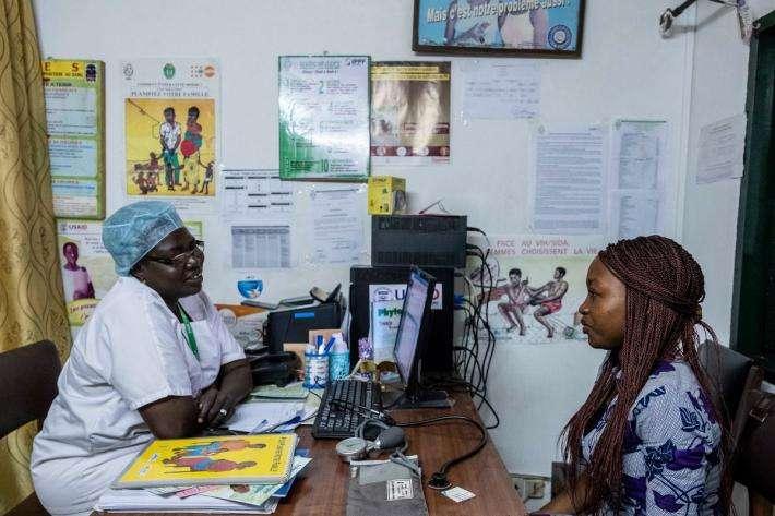 La progression de la contraception dans les pays en développement implique une baisse du taux de naissances dans les régions urbanisées. © IPPF