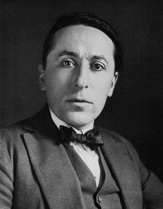 Le journaliste et écrivain, Roland Dorgelès, membre puis président de l'académie Goncourt de 1954 à 1973, est à l'origine de l'expression «drôle de guerre». © BnF, domaine public