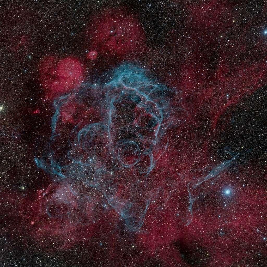 Le rémanent de supernova des Voiles. © M. Lorenzi