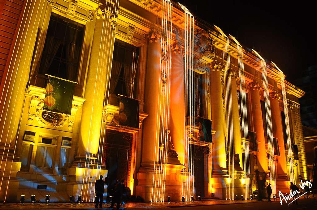 Le Palais Piratini et ses décorations de Noël, à Porto Alegre, au Brésil