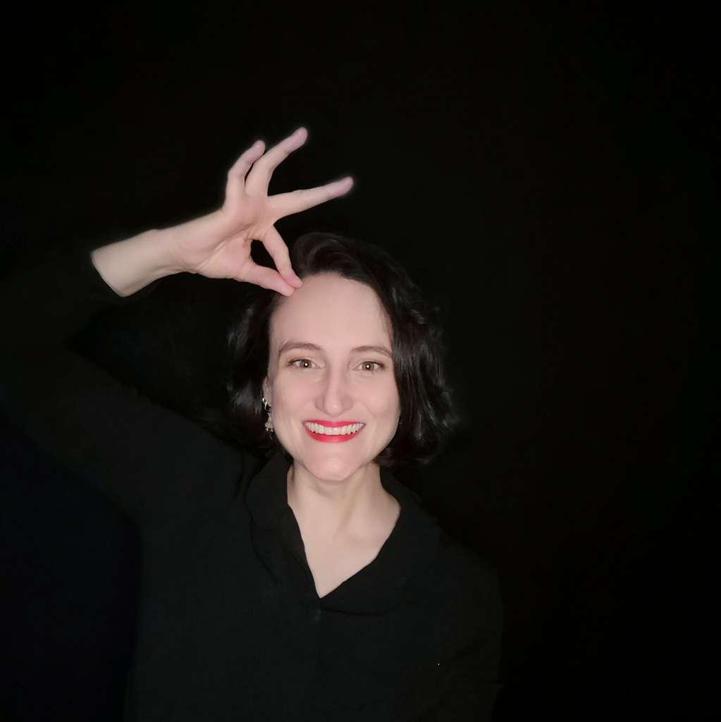 Jessica, passionnée de langue des signes française, vous donnera les clés pour signer vos premiers mots. © Jessica C. Garreau