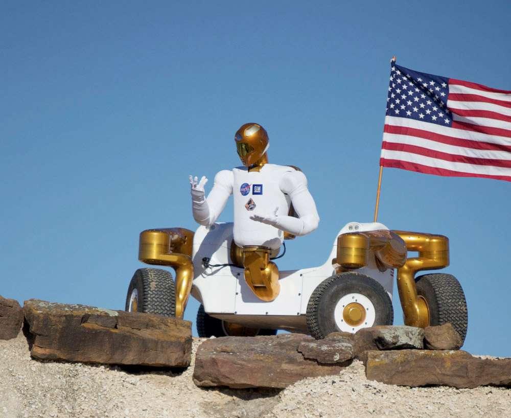 Un Robonaut 2 monté sur sa base mobile Centaure 2. La Nasa a baptisé l'ensemble R2C2, les fans de Star Wars apprécieront. © Nasa
