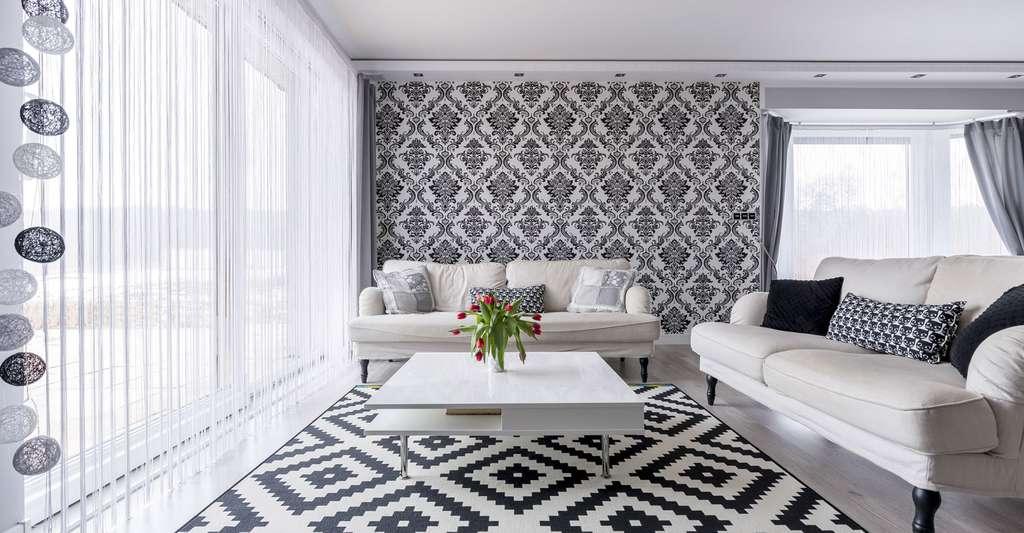 Papier peint en harmonie avec les noir et blanc de la pièce. © Photographee.eu, Fotolia