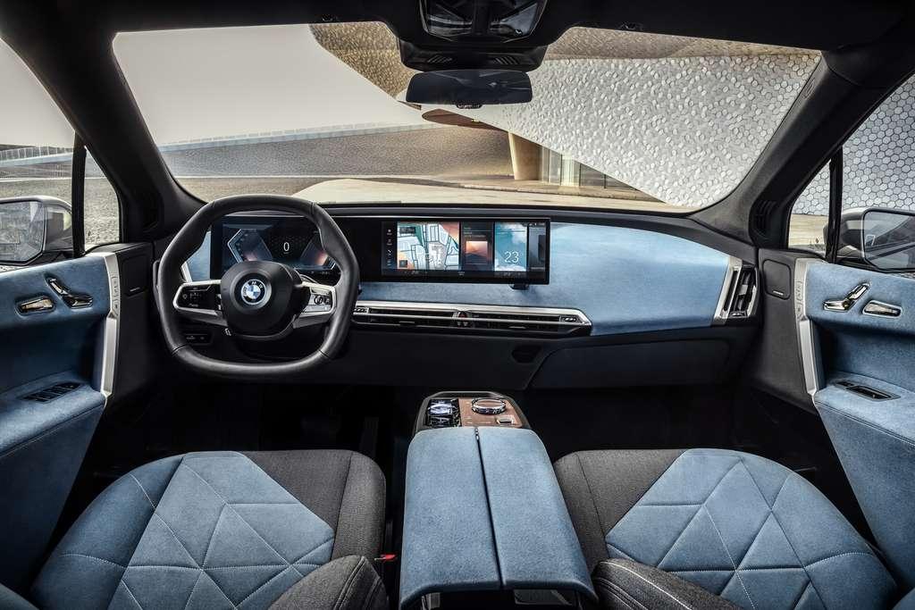 L'intérieur du BMW iX et son ambiance « shy tech ». © BMW