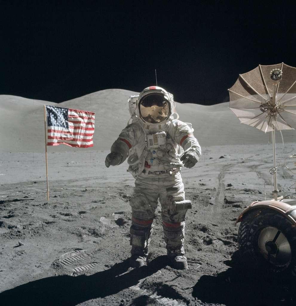 Eugene Cernan fut le dernier homme à marcher sur la Lune en décembre 1972. Trois ans plus tôt, à bord d'Apollo 10, il participait aux préparatifs de cette grande aventure. © Nasa, Harrison H. Schmitt