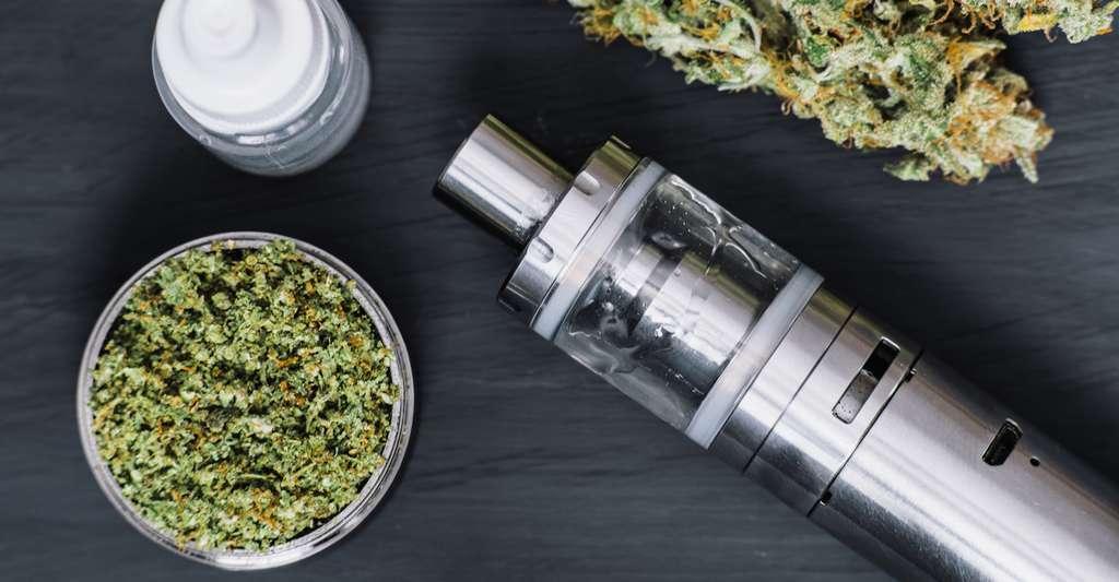 Les vaporisateurs à cannabis ressemblent à des e-cigarettes. © cendeced, Fotolia