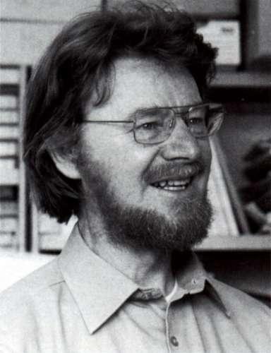 Les inégalités de John Bell sont considérées comme l'un des résultats les plus importants de la physique du XXe siècle. Leur test en 1982 grâce aux expériences d'Alain Aspect et ses collègues ont révélé que le phénomène d'intrication quantique était réel, ce qui a stimulé les travaux sur l'information quantique. Les conséquences philosophiques des travaux de Bell sont profondes. © Joachim Reinhardt/université de Frankfort