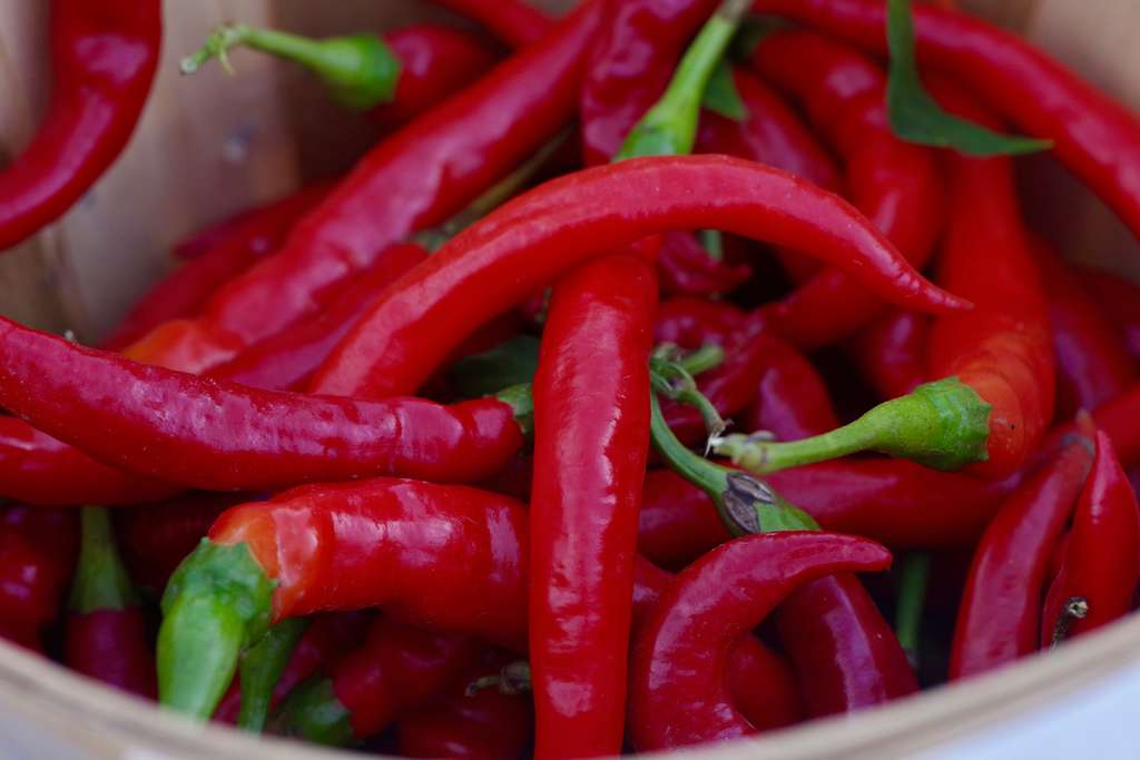 Avec le piment, attention les yeux ! © Thomas Foley, Unsplash
