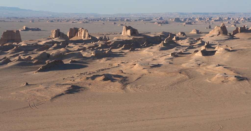 Le désert de Lout en Iran : l'endroit le plus chaud de la Terre pour la température au sol. © Ninara, Flickr