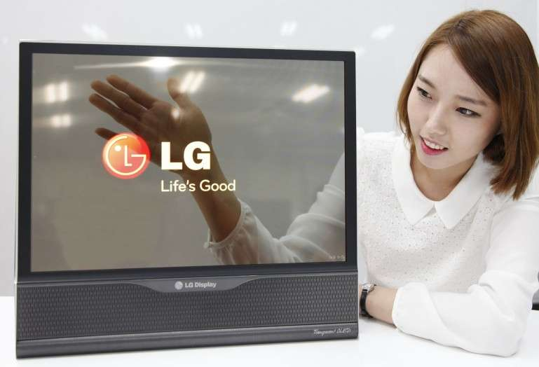 Outre un nouvel écran flexible, LG a aussi dégainé un modèle 18 pouces dont le taux de transparence atteint les 30 % là où les meilleurs écrans LCD transparents ne sont qu'à 10 %. LG veut produire des écrans Oled Ultra HD de plus de 60 pouces flexibles et transparent dès 2017. © LG Display