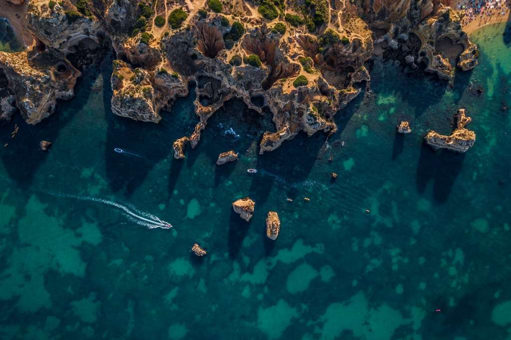 Les côtes d'Algarve, Portugal. © Enrico Pescantini, Dronestagram
