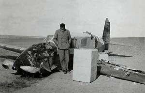 Accident en Libye en 1935. Crédits : Fondation Antoine de Saint-Exupéry
