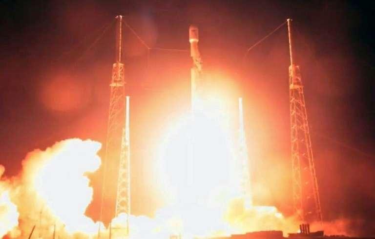 Décollage de la fusée SpaceX portant notamment la sonde israélienne Beresheet, le 21 février 2019 à Cap Canaveral en Floride. © HO - SpaceX/AFP