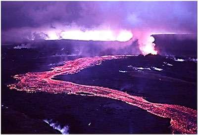 Cette image a été prise lors de l'éruption à Krafla en 1984. © Michael Ryan, USGS