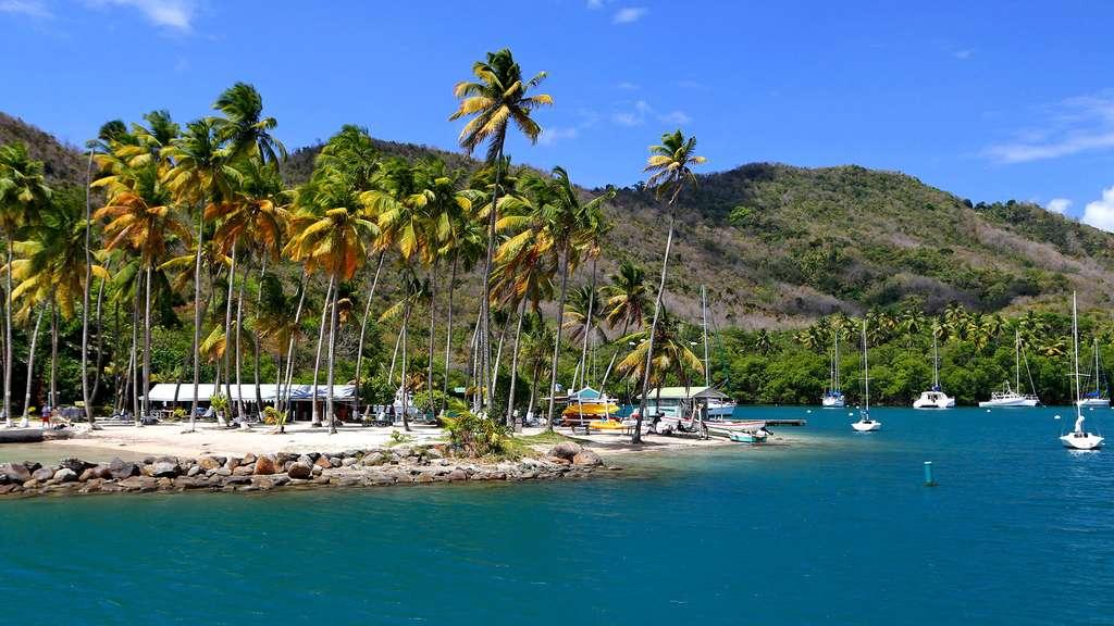 Marigot Bay, sur l'île de Sainte-Lucie, tout près de la Martinique. © Antoine, tous droits réservés, reproduction interdite