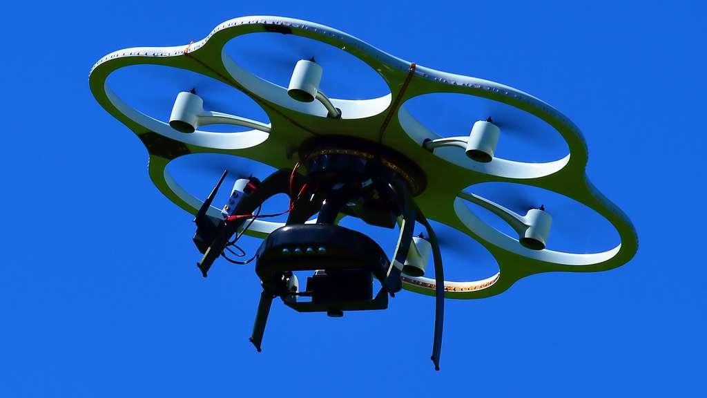 L'hexacopter de l'AIEA, un drone atomique à six moteurs