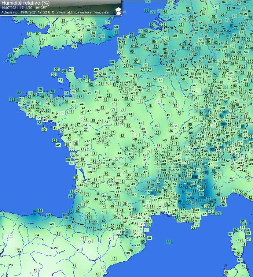 Le site Infoclimat indique la carte d'humidité relative en France en temps réel. © Infoclimat