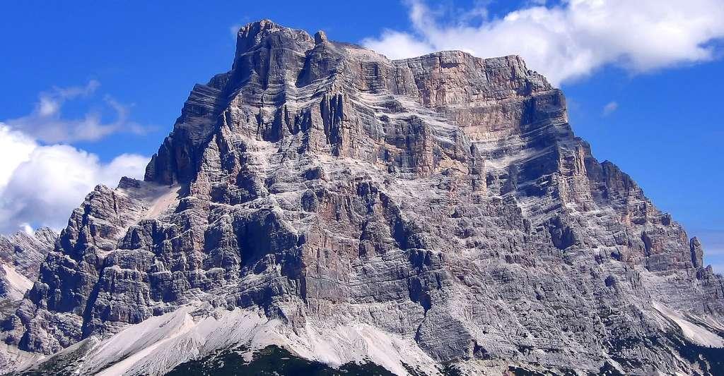 Le Monte Pelmo, en Italie, est l'une des plus hautes montagnes des Dolomites, dans les Alpes. © Mauro742 CC by-sa 3.0