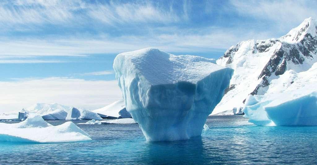 Iceberg dans l'Antarctique. © Robynm, Pixabay, DP