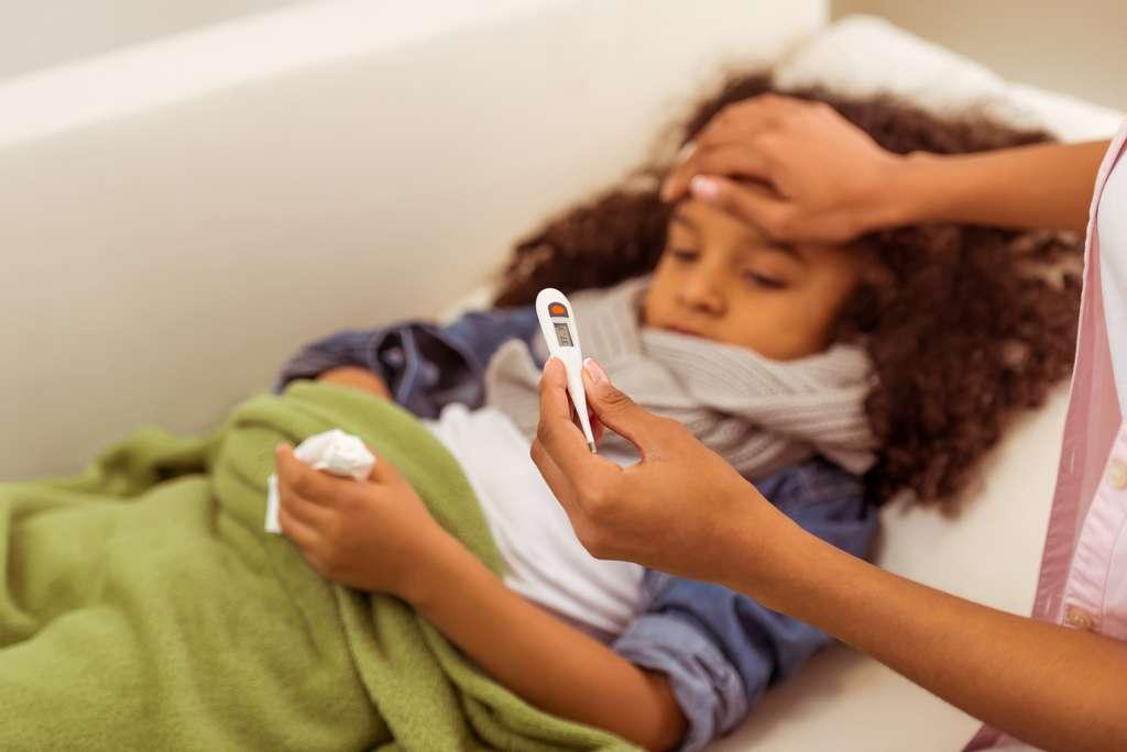 Bien que les prescriptions d'antibiotiques aient diminué sur les dix dernières années, ces médicaments sont encore trop souvent administrés aux enfants de moins de six ans. © George Rudy, Shutterstock