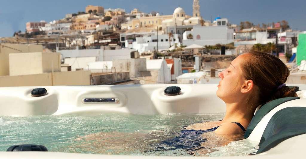 Comment choisir son spa ? © Ivan Mateev, Shutterstock