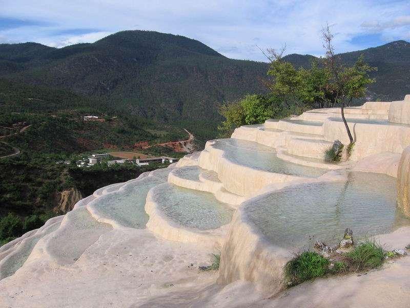 Les terrasses de Baishui et le Dongba