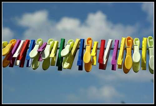 Les perturbateurs hormonaux se retrouvent dans les rivières après le lavage des vêtements pollués. © Mario Groleau, Flickr CC by nc 2.0