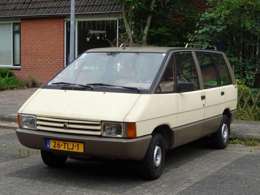 La Renault Espace a initié le format de la voiture familiale. © peterolthof, Flickr