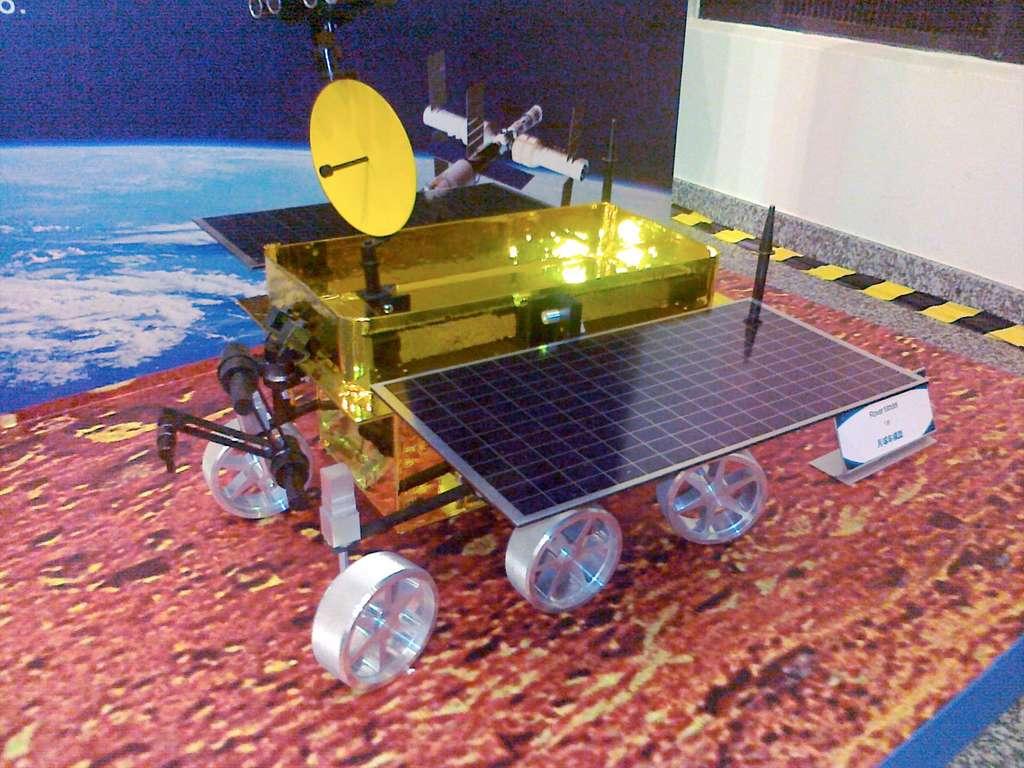 Maquette du rover Zhonghua de la mission Chang'e 3, présentée à Vienne, en Autriche, lors d'une exposition organisée par le Comité des Nations unies pour l'utilisation pacifique de l'espace extra-atmosphérique. © Mark Wade