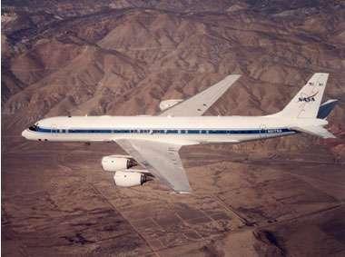 Le DC-8 de la NASA embarquera une multitude d'instruments destinés à explorer dans les moindres détails le coeur des cyclones tropicaux. © NASA Dryden