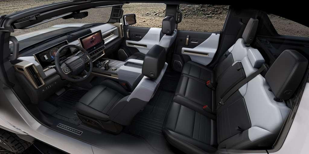 L'intérieur du Hummer EV. © General Motors
