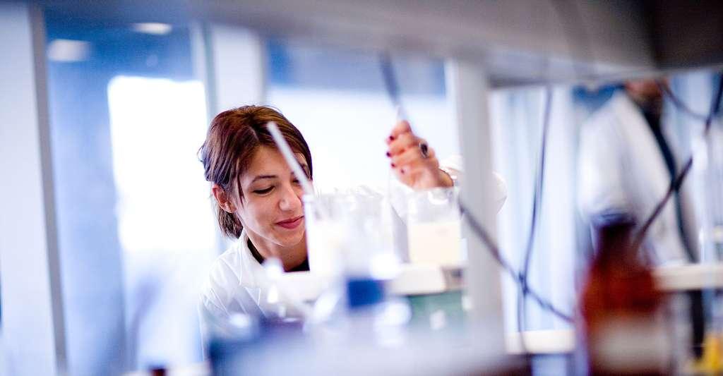 Les chimistes travaillent sur des procédés industriels respectueux de l'environnement, pour promouvoir le développement durable au stade de la fabrication. © Montreal.ca- Flickr CC by-nc-sa 2.0