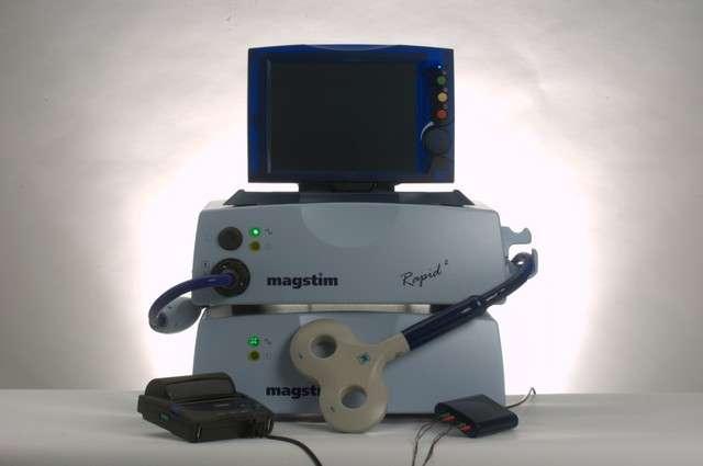 La stimulation magnétique transcrânienne fait partie des dernières avancées scientifiques pour la guérison des cas sévères de dépression. © Magstim.com