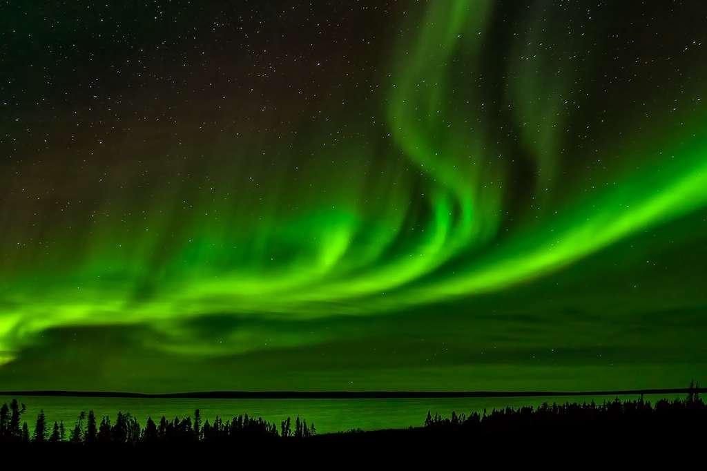 Aurore boréale aux couleurs vertes, au Canada