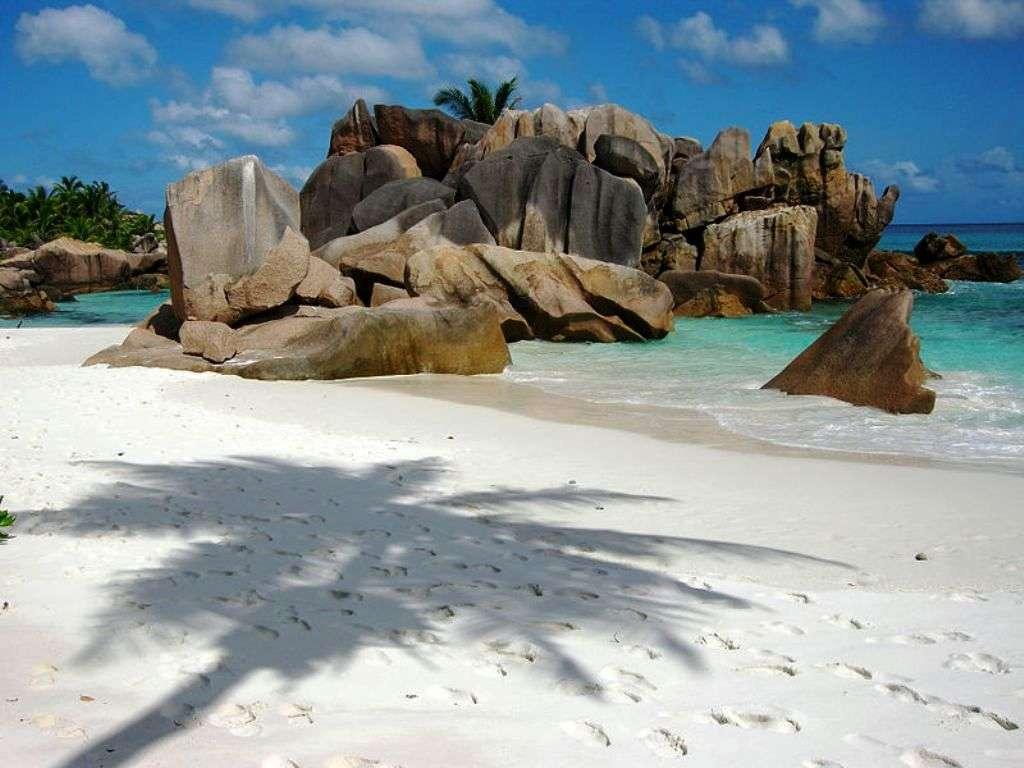 La jolie plage d'Anse Cocos, La Digue, Seychelles. © Wikipédia-Tobi 87