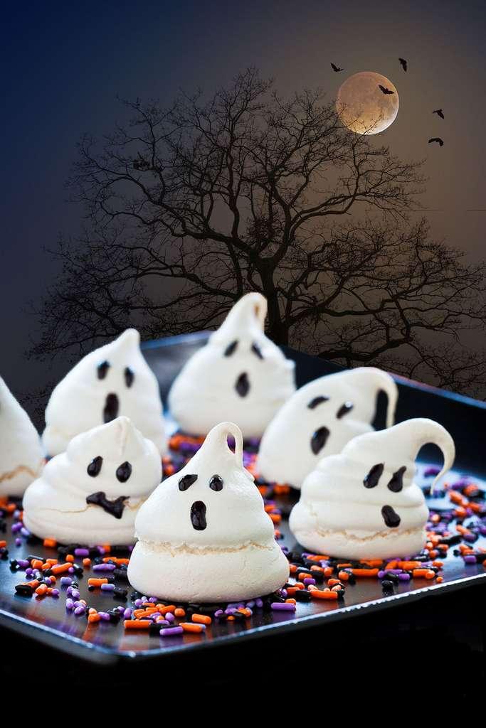 Les meringues fantômes d'Halloween © Cozinhando Fantasias, Flickr, CC BY-ND 2.0