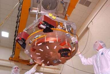 Intégration de l'impacteur au module de croisière. © Ball Aerospace