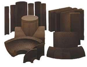 Coquilles, coudes et douelles destinés à l'isolation des tuyauteries et équipements véhiculant des fluides à basses ou hautes températures. © Foamglas