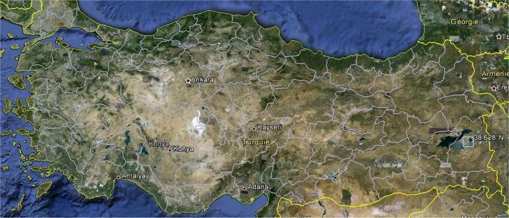 Le séisme s'est produit à l'est de la Turquie, près de la ville de Van, bordant le lac du même nom, à droite sur cette carte (capture d'écran de Google Earth).