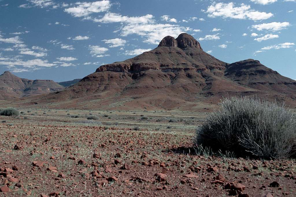 Paysage à Palmwag, dans le Damaraland. © Hans Stieglitz, Wikimedia Commons, cc by sa 3.0
