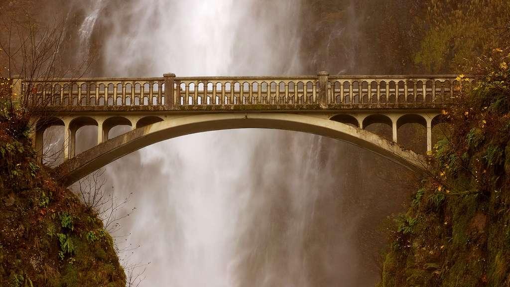 Le pont des chutes de Multnomah