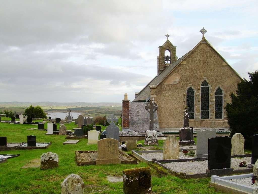 La nouvelle espèce de bactérie S. myrophorea a été isolée d'un échantillon de sol prélevé dans le cimetière de Sacred Heart Church, dans la région de Boho, en Irlande du Nord. © DP