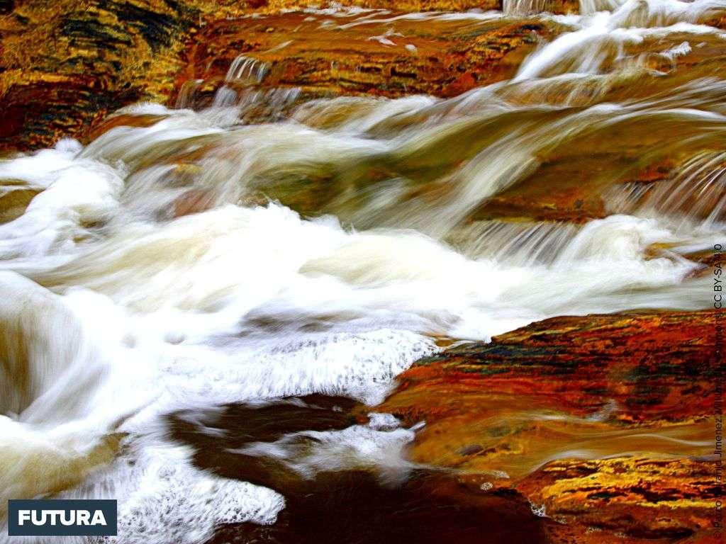 Andalousie, le Rio Tinto fleuve de couleur pourpre parcouru par des scientifiques de la NASA