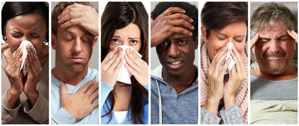 Fièvre, gorge irritée, nez bouché ou qui coule, douleurs musculaires et articulaires, maux de tête, yeux douloureux. Ce sont les symptômes de la grippe qui doivent vous alerter. Ils sont proches de ceux du coronavirus. En cas de doute, il est recommandé de contacter directement le 15. © Kurhan, Adobe Stock