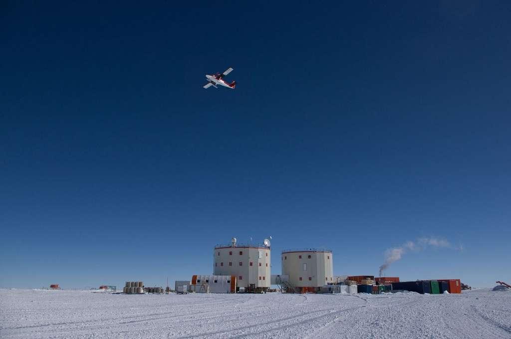 Concordia n'est accessible qu'en avion. Une liaison qui est interrompue pendant l'hivernage lorsque les températures descendent à -80 °C. © Esa, Ipev, PNRA