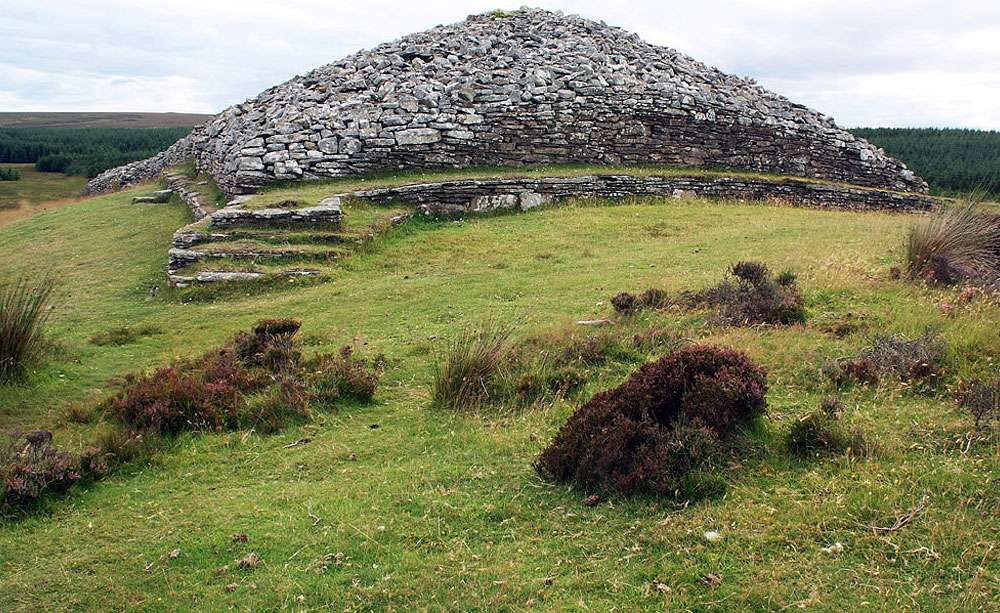 Cairn du Néolithique, à Camster. © Donald Bain, Wikimedia Commons, CC by-sa 2.0
