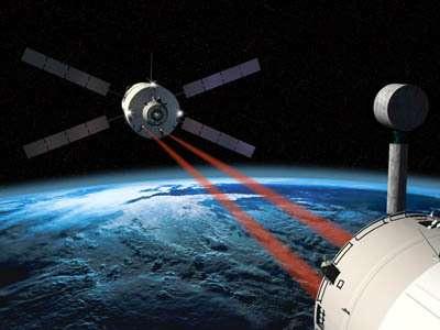 L'ATV approche de l'ISS en vue de l'arrimage (Crédit : ESA)