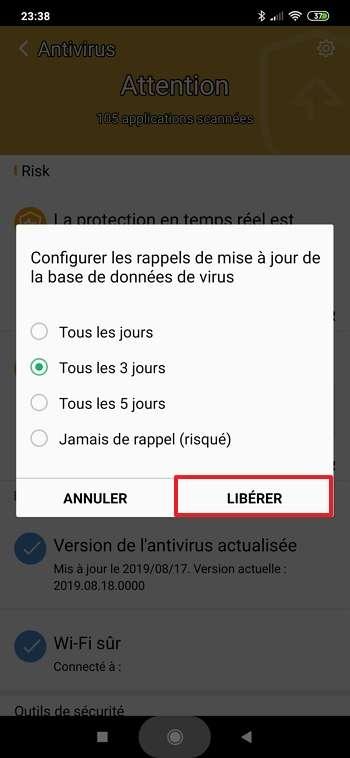 Définissez à quelle fréquence Clean Master doit vous rappeler d'effectuer la mise à jour de la base de données de l'antivirus. © Cheetah Mobile
